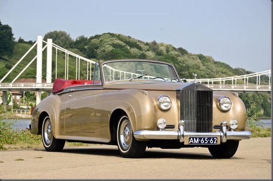 HJ_Mulliner_Rolls-Royce_Silver_Cloud_II_DHC_1962_01