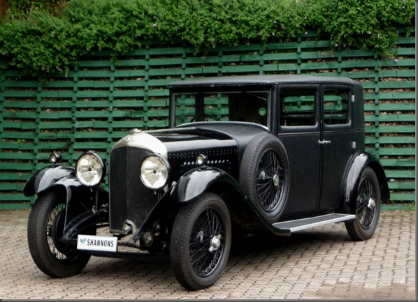 1930 Bentley 4 ½ Litre saloon (1)