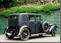 1930 Bentley 4 ½ Litre saloon (2)
