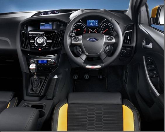 Focus ST 5 door 2013 (7)