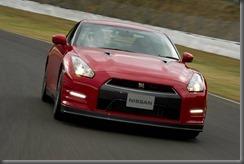 2013 Nissan GT-R (4)