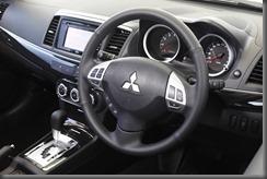 Mitsubishi lancer 2013 (2)