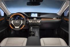 2013_Lexus_ES_300h_014hr