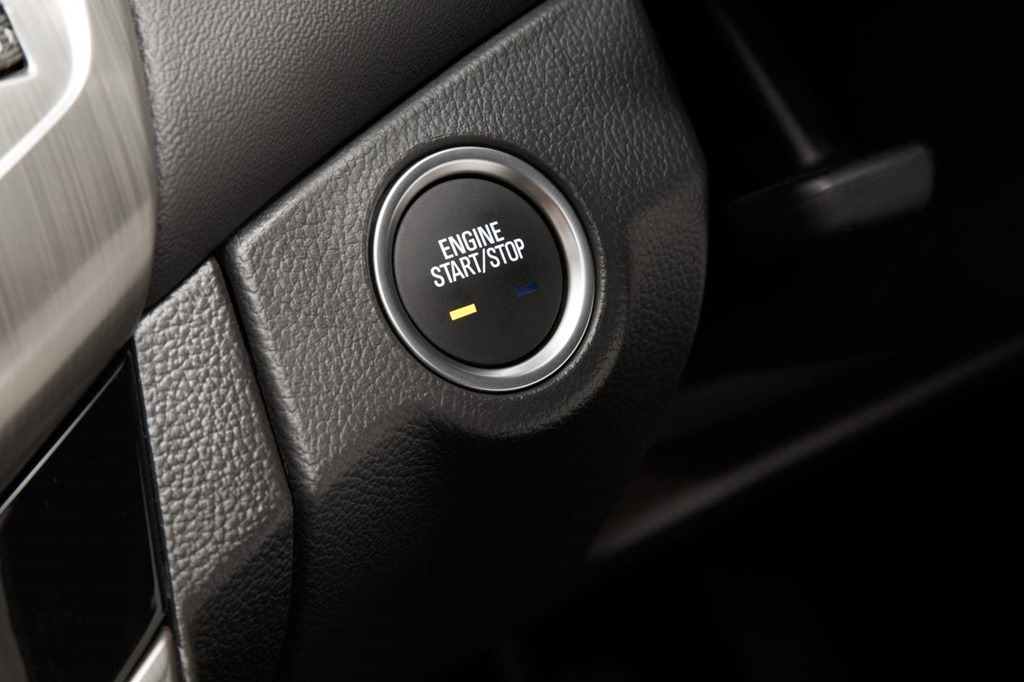 Holden Cruze Fixes Most Things We Weren't So Fond Of | Gay
