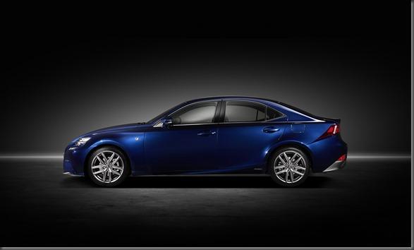 Lexus IS 300h (2)