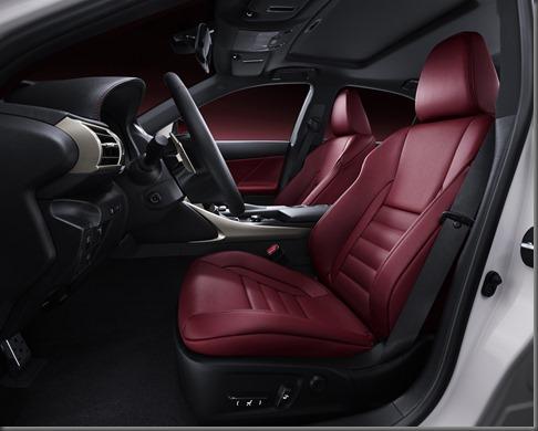 Lexus IS 300h (4)