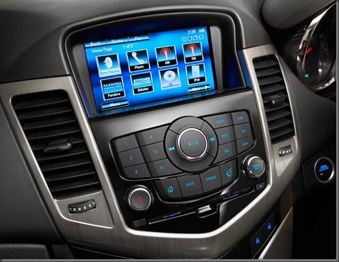 Holden Cruze MK II infotainmanet system (6)