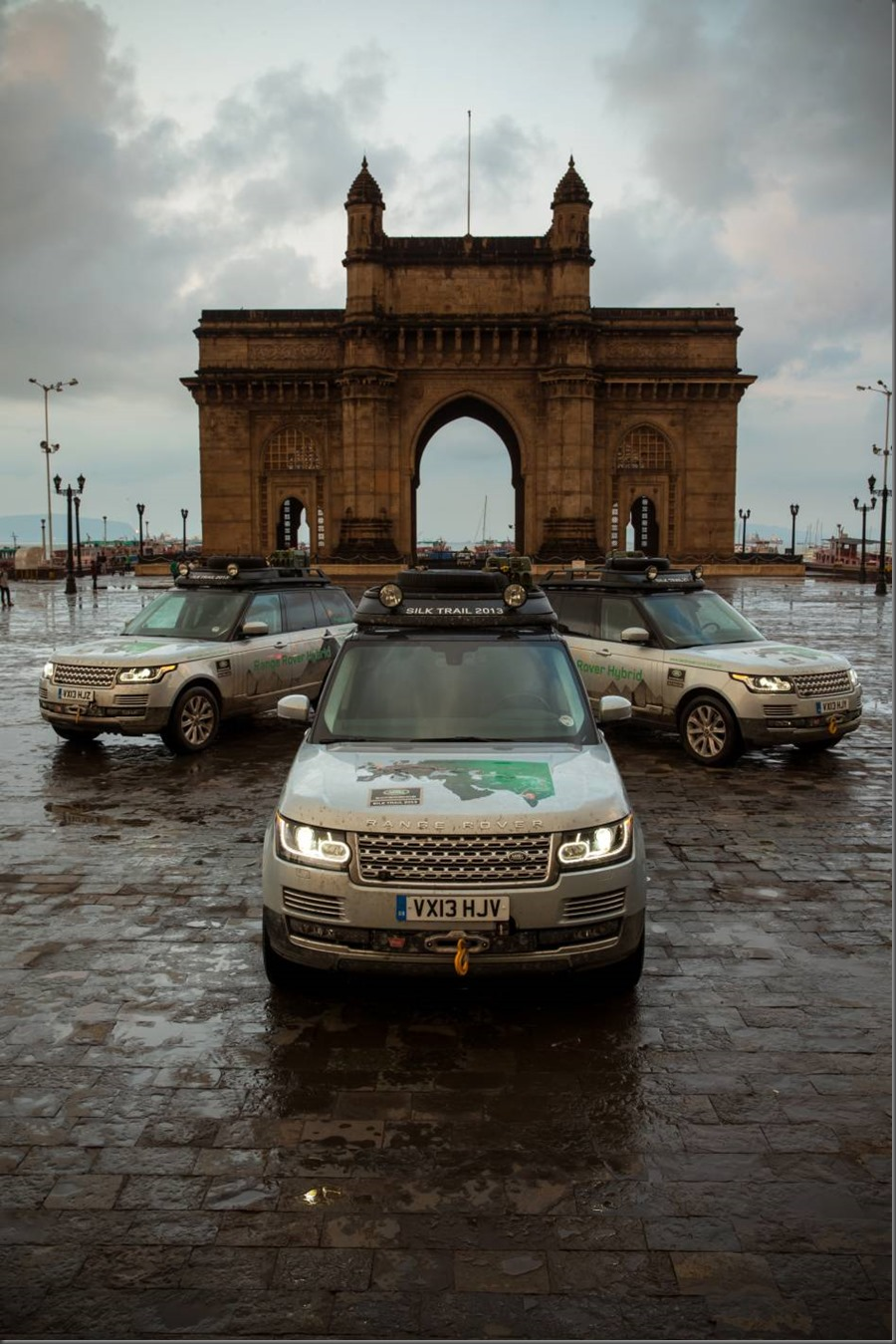 Land Rover completes world's first hybrid expedition along Silk Trail from Solihull to Mumbai (9)