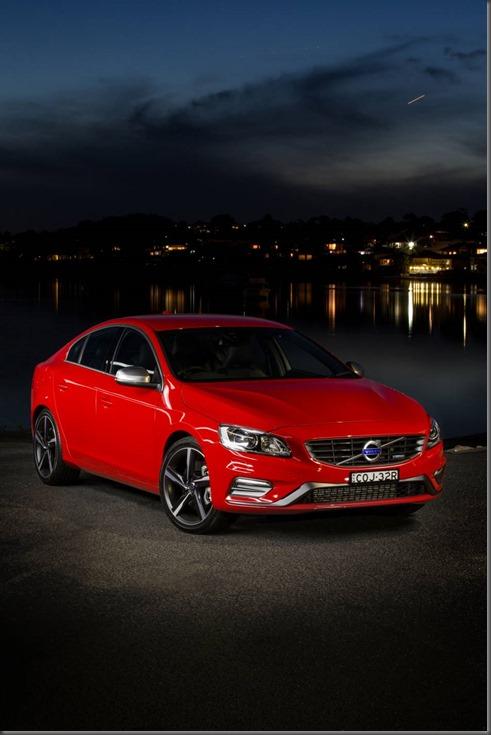 MY14 Volvo S60 R Design (2)