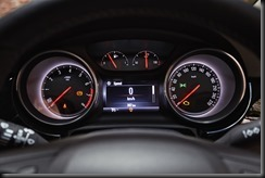 MY17_Astra_RSV_Interior_Detail_Odometer