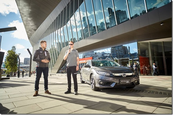 F1-Driver-Stoffel-Vandoorne-Honda-Civic-Type-R-Australia (2)
