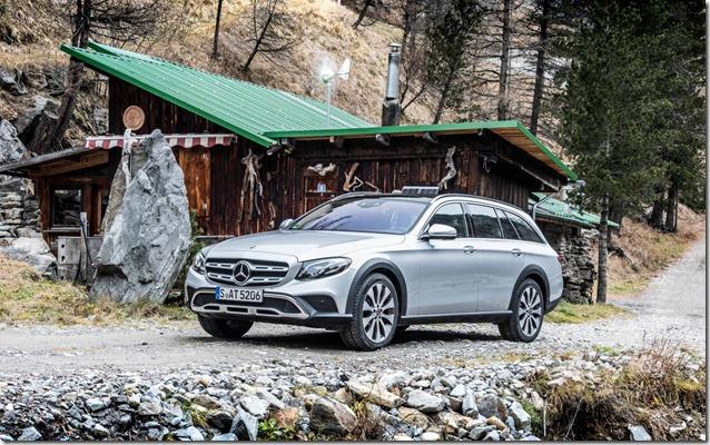 Mercedes-Benz -E-Class- All-Terrain (1)