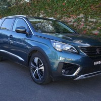 2018 Peugeot 5008 Allure Review