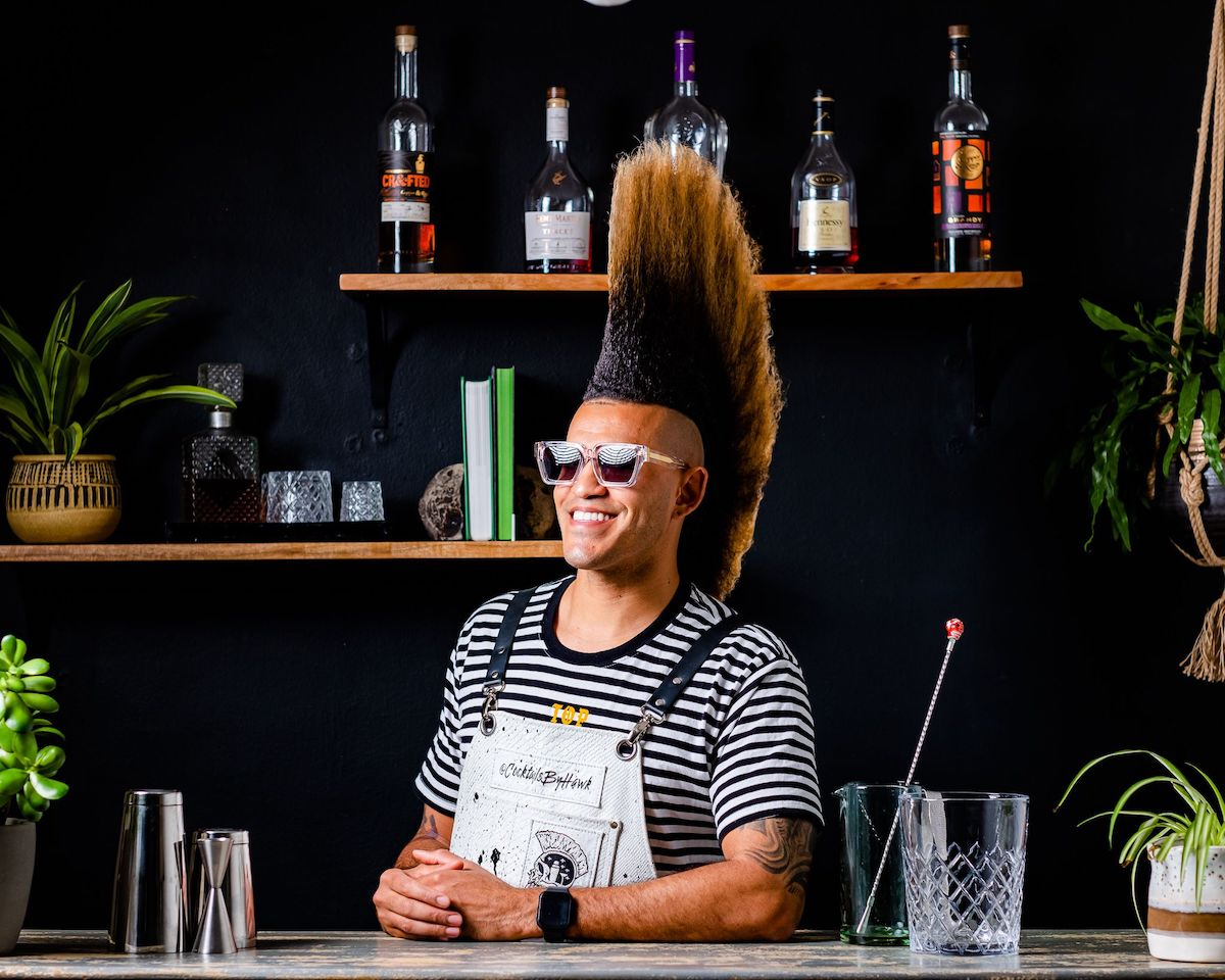Hawk Cocktail Mixologist
