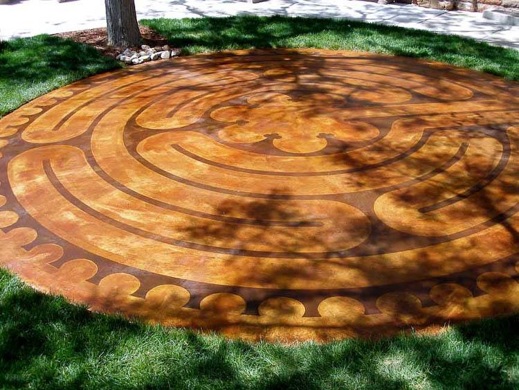 Labyrinthine Labors
