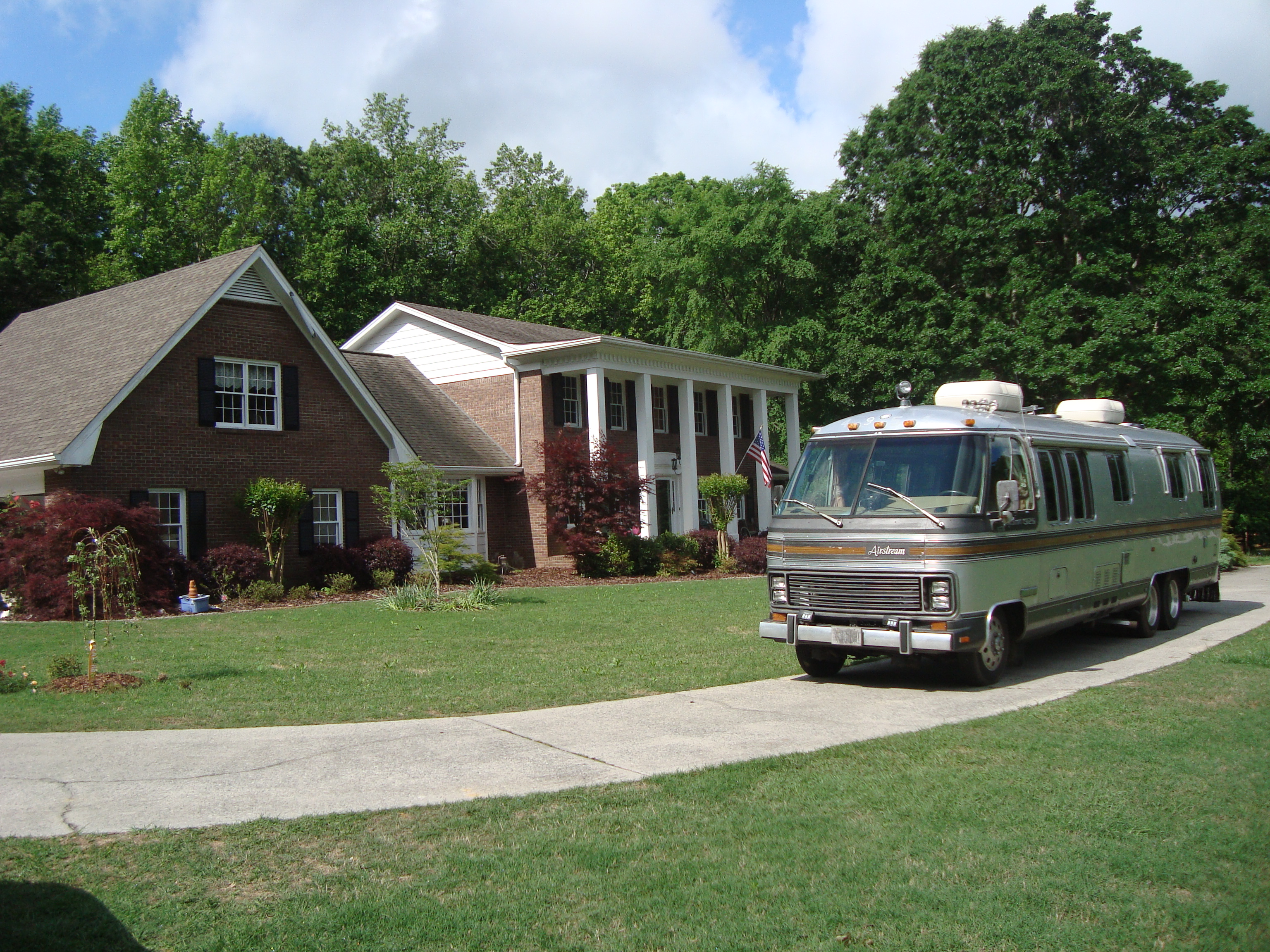 motorhome in front of Eric's house