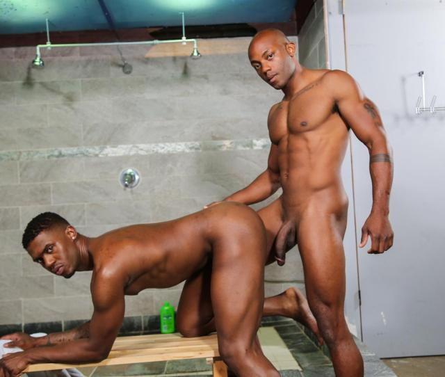 Muscled Gay Black Anul