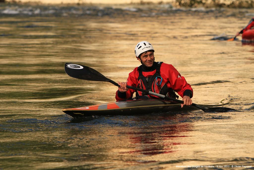 Photo Edmond Gayral en kayak