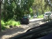 Flagras amador de dois machos fazendo boquete na rua