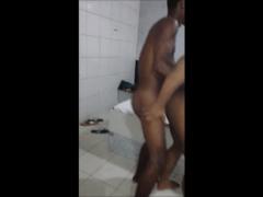 Moleque pirocudo ativo fode macho passivo no motel