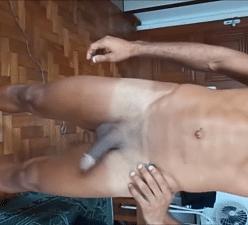 Homens gostosos fazendo muito sexo neste vídeo amador brasileiro