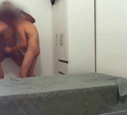 Gays fodendo a três em sexo amador