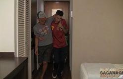 Dois lekes gays brasileiros fode bem gostoso após balada