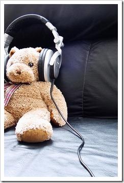 More_twinks_with_headphones-gayteenboys18 (26)