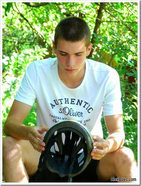 Teen_skater_boy_Camillo (4)
