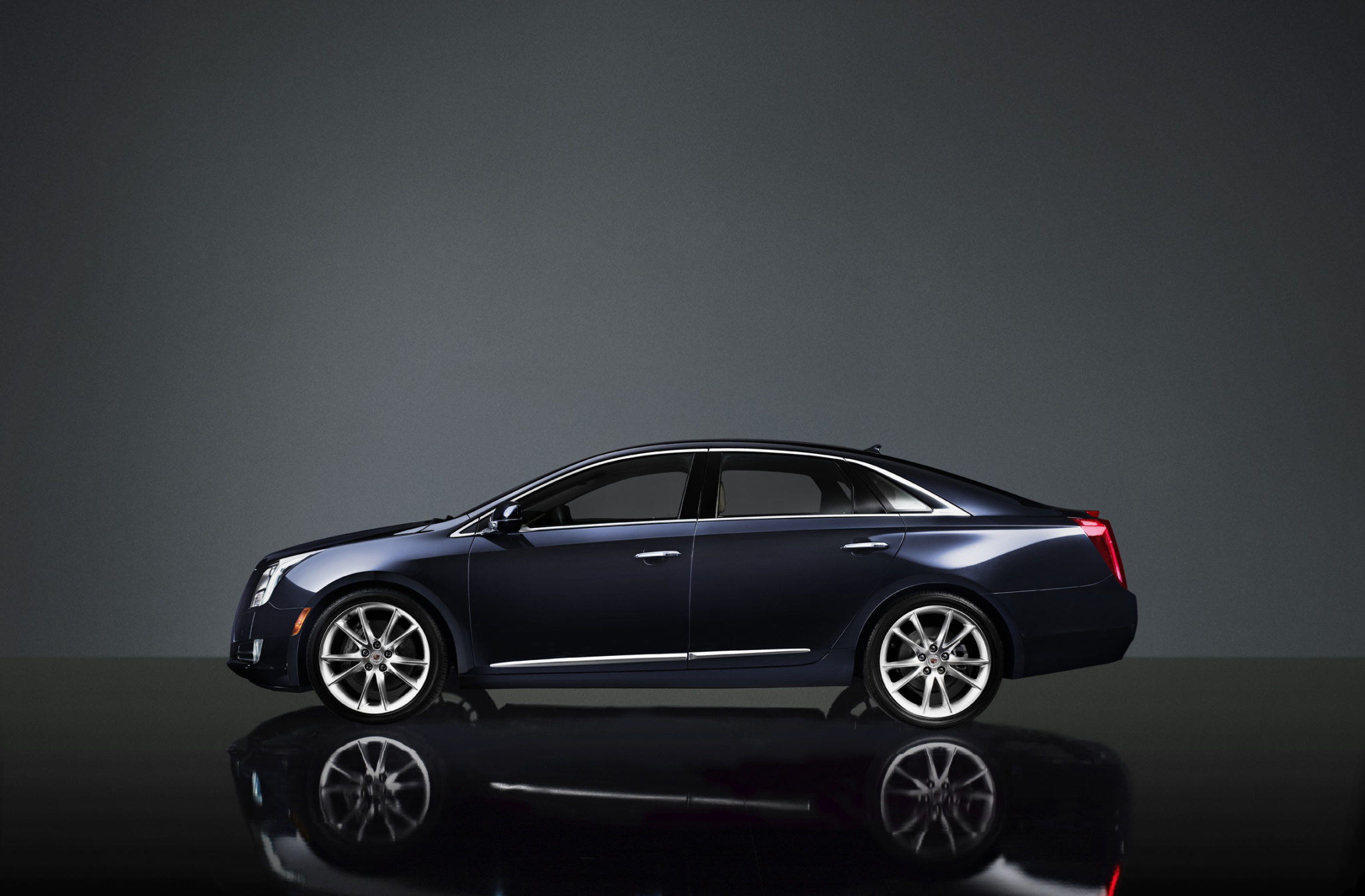 2013 cadillac xts sexy sedan creates ambiance gaywheels. Black Bedroom Furniture Sets. Home Design Ideas