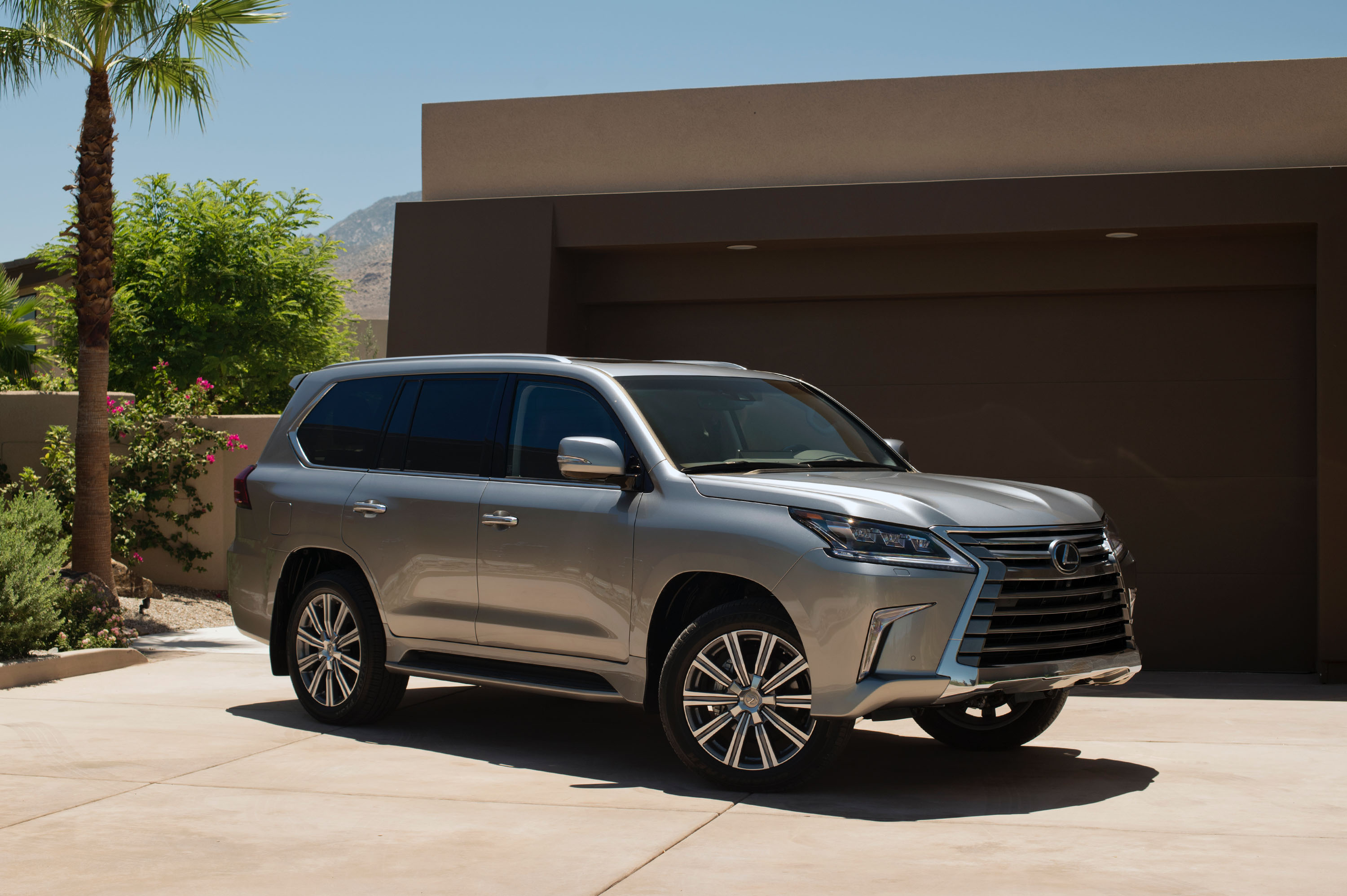 2016_Lexus_LX_570_001_86B88932544FBA8F31595E5D57B9DEF17824DA36 Take A Look About 2009 Lexus Lx 570 with Fascinating Photos Cars Review