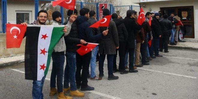 نائب تركي يقترح جمع مليون شاب سوري من تركيا وإرسالهم إلى إدلب