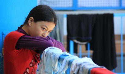 Girl taking shelter in a UN shcool, summer 2014 war on Gaza.