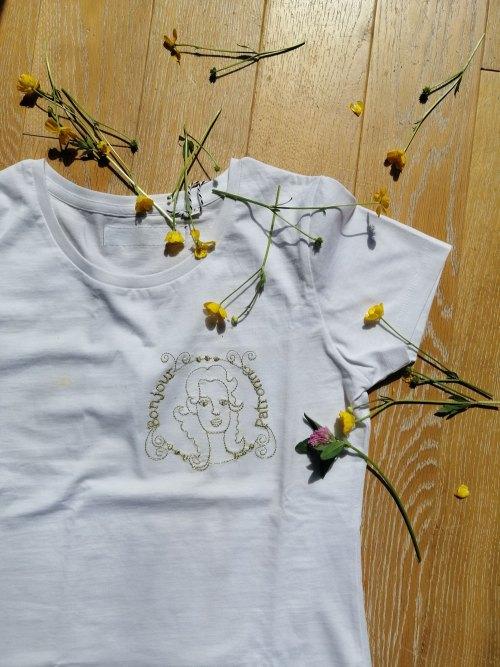 t-shirt-bonjour-patronne