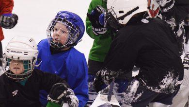 Школа олимпийского резерва в Балакове начала прием мальчишек и девчонок в секцию хоккея
