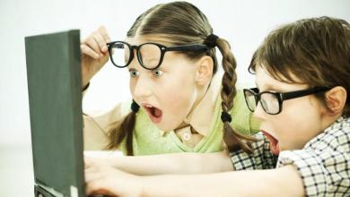 Неустановленное лицо в Саратове показало ученикам порно