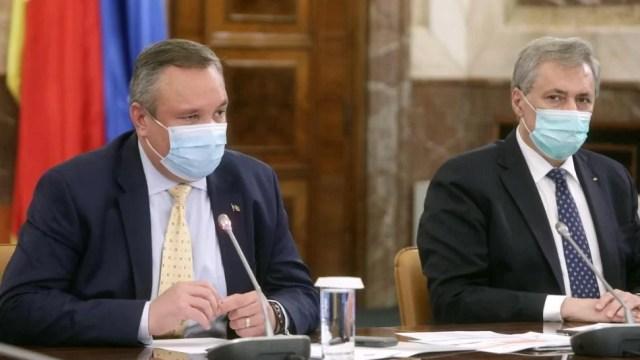 premierul-interimar-nicolae-ciuca-si-ministrul-marcel-vela-inaugureaza-punctul-mobil-de-colectare-de-plasma-convalescenta