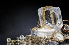 ce-trebuie-sa-ai-in-vedere-atunci-cand-cumperi-bijuterii-din-aur