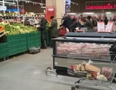 "magazinele,-doldora-de-consumatori-in-prag-de-sarbatori.-specialist:-""politia-locala-si-protectia-consumatorului-ar-trebui-sa-dea-amenzi"""