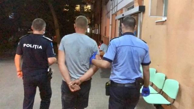 video-cazul-halucinant-al-politistului-din-botosani-tarat-de-un-sofer-beat-si-fara-permis