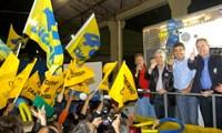 Luciano e Beto inauguram comitê Pinheirinho com duas mil pessoas