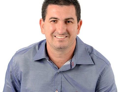 Professor Marlon apresenta projeto que proíbe vereador de assumir cargo na Prefeitura
