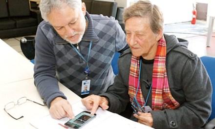 Curso sobre smartphone para idosos na Celepar