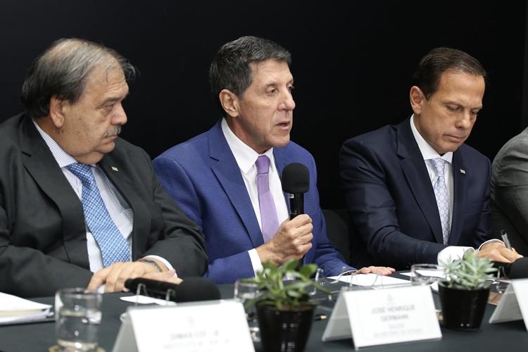 David Uip ao lado do governador João Doria. Foto: Governo do Estado de São Paulo/Flickr