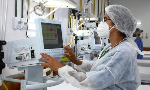 Leitos de UTI Covid-19 estão devidamente equipados para atender os pacientes acometidos pela doença