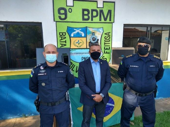 Deputado Alex Silva entrega armamentos, equipamentos de proteção e aparelhos de informática à Polícia Militar