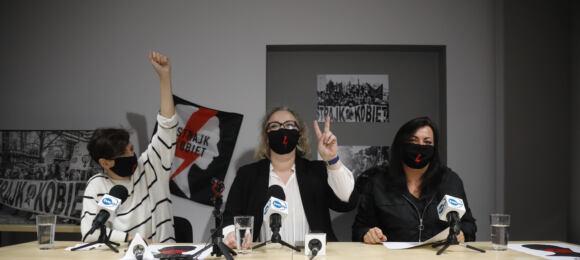 """Strajk Kobiet zebrał postulaty demonstrujących: """"Chcemy dymisji rządu"""""""