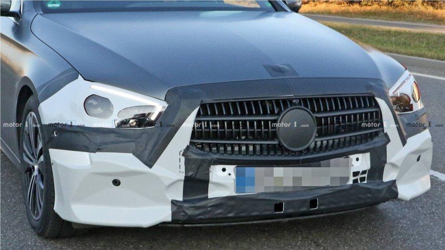 auto_2020-mercedes-e-class-spied_31539705532