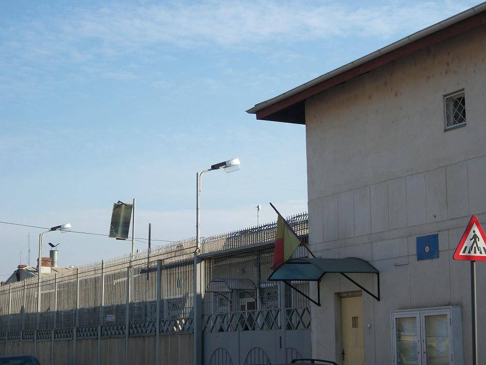 A venit vacanţa mare şi la Penitenciarul Ploieşti. 18 deţinuţi au terminat clasa a IV-a