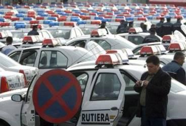 Sute de poliţişti mobilizaţi pentru o minivacanţă liniştită